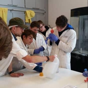 4IW & 4EM op STEMdag in Technopolis