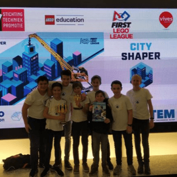 First Lego League: 2IW wint in Kortrijk en stoot door naar Beneluxfinale in Breda