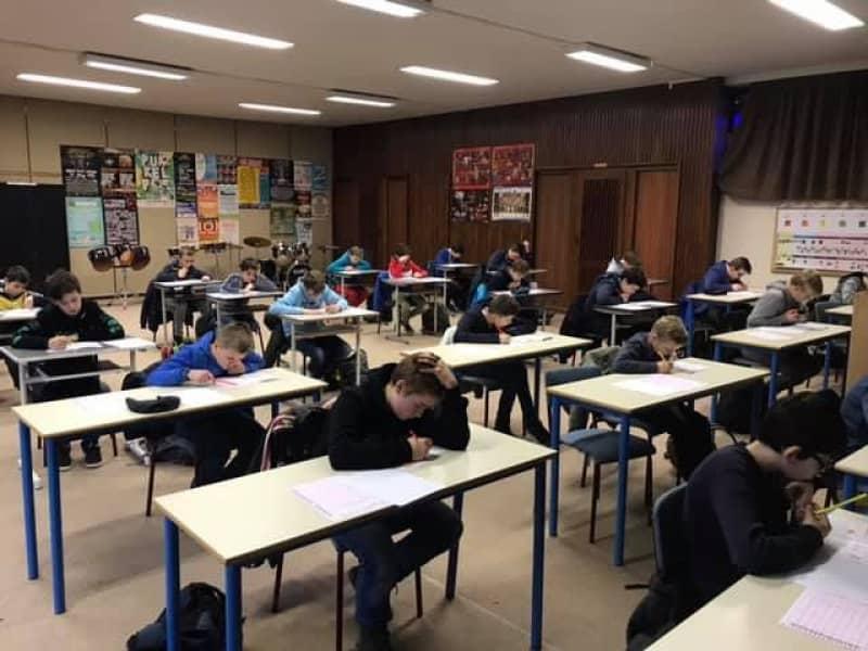 de-eerste-graad-neemt-deel-aan-de-kangoeroewedstrijd-nl-6