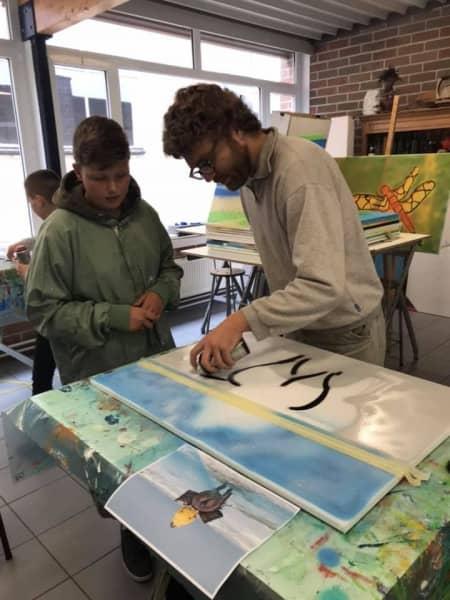 een-franse-kunstenaar-tagger-in-de-klas-nl-19
